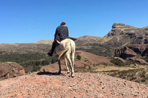 Dos Lunas Horse Riding Lodge, Estancia boutique en córdoba ongamira. Cabalgatas